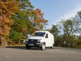 SAIC Maxus EV80 H2 Middle Roof 6 thumbnail